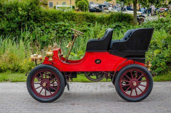 Cadillac Model A Tonneau, 1903: Styrkeprovet   Styrkeprøven, Ringsted, Danmark   Denmark, Veteranbilar   prewar / oldtimer cars [2015]<br>Lat: 55.386078N, Long: 11.795589E Copyright © All rights reserved. Kristian Adolfsson / www.adolfsson.photo